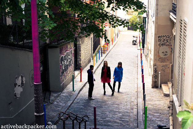 Models In A Montmartre Alleyway