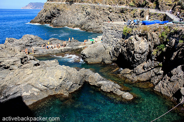 The ocean and swimming area of Manarola