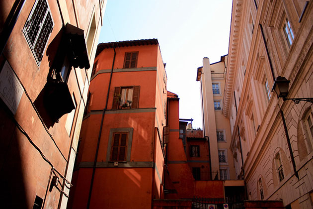 Buildings in the alleyway streets of Rome.