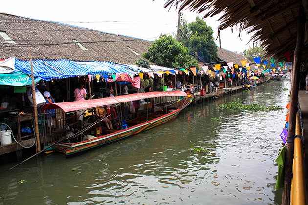 Canal at Khlong Lat Mayom