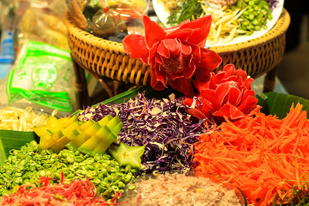 Khlong Lat Mayom Colourful Food