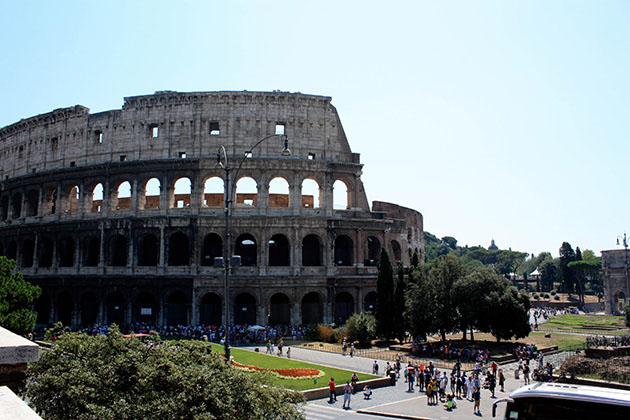 Photo of the Collosseum in Rome.