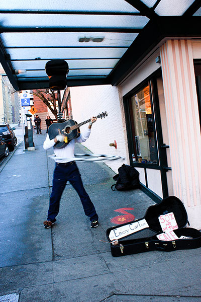 busker in Seattle