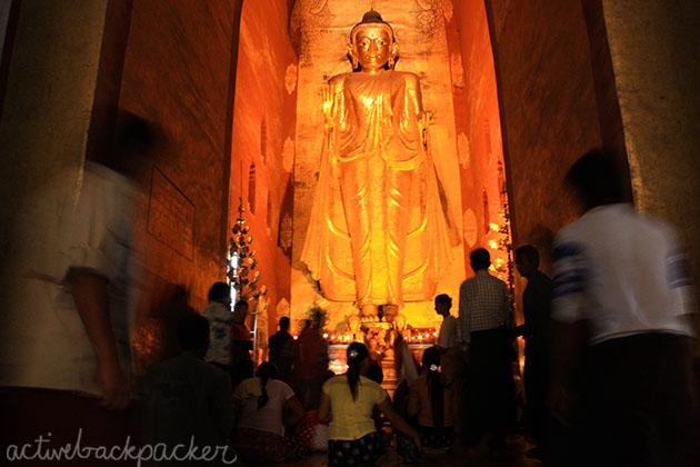 Big Golden Buddha Bagan